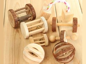 Деревянные игрушки для собак