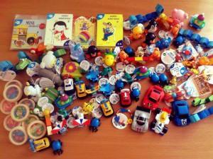 Икание по причине попадания мелких игрушек в пищевод